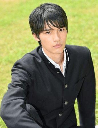 岡田健史の高校・ 創成館での野球の実績が凄い!